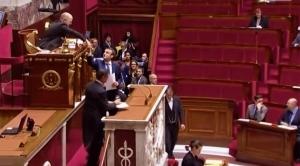 Emmanuel Macron présente sa loi à l'Assemblée